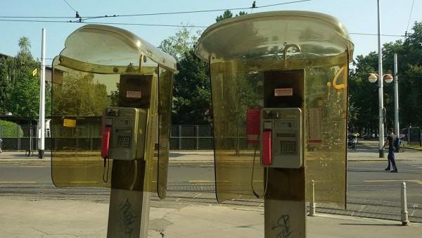 Telefonske govornica kod Cibone zjape prazne