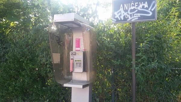 Telefonska govornica u Trokutu