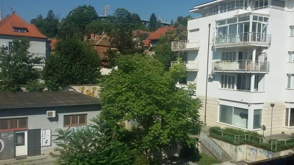 Pogled sa građevine