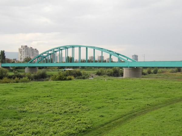 Hendrixov Most Kao Simbol Grada I Tema Prepirki Zeleni Most Je