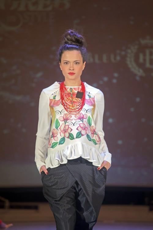 Klara Ivanović / nakit Vesna Markanović