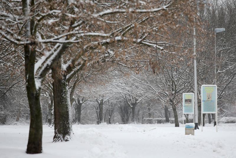 06.02.2015., Zagreb - Kako je i najavljivano u noci i kroz jutro je napadalo oko 15 centimatara snijega. Prazno jezero Jarun. Photo: Igor Kralj/PIXSELL