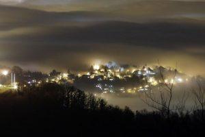 06.12.2015., Zagreb - Pogled sa sljemenskog vidikovca na grad obavijen gustom maglom. Photo: Borna Filic/PIXSELL