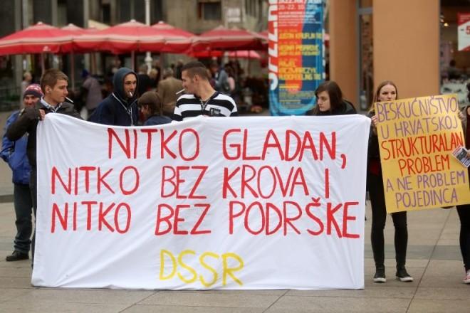 10.10.2016., Zagreb - Hrvatska mreza za beskucnike obiljezila je Svjetski dan bekucnika. Photo: Borna Filic/PIXSELL
