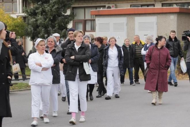 16.11.2016., Zagreb - Zbog nepotpisivanja kolektivnog ugovora, radnici SC-a su organizirali strajk. Photo: Tomislav Miletic/PIXSELL