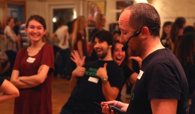 Upoznavanje s vašim instruktorom plesa