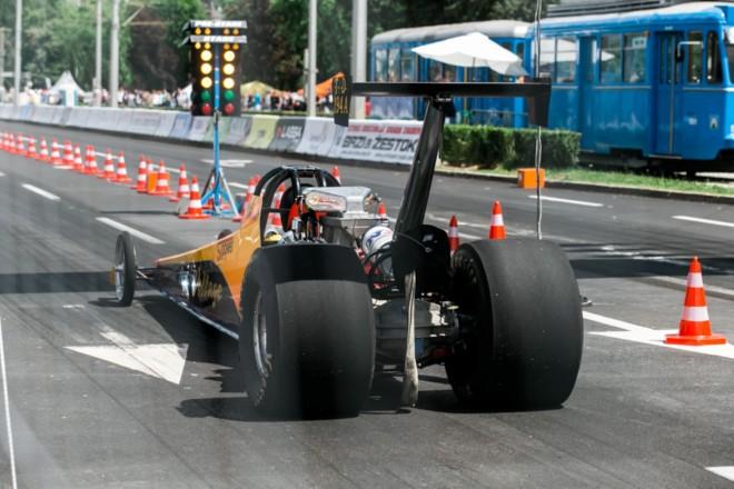 Utrka ubrzanja Brzi i žestoki (12)