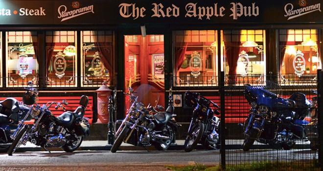 Red Apple Pub