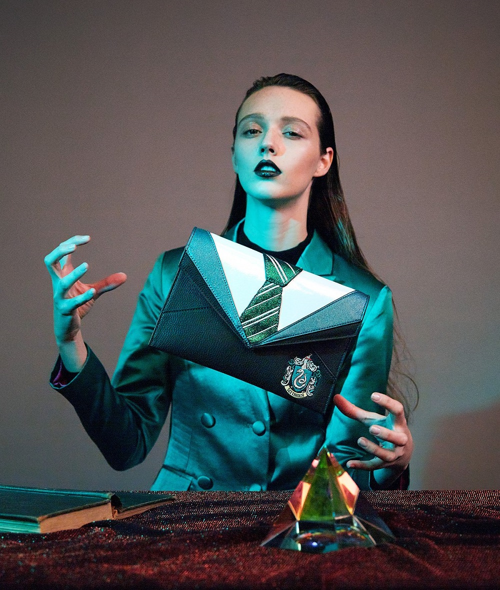 Slytherin-Uniform-Clutch-1