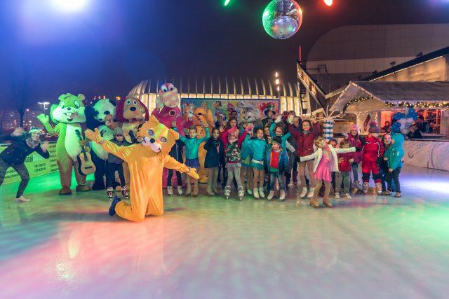 Ukližite-u-blagdansku-čaroliju-na-Adventskom-klizalištu-Žuti-Mačak-640x427